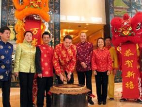 年复一年的春节,既是中华民族追忆历史、弘扬民族精神、接受传统文化和道德理念的大课堂,也是传承中华