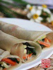 春节是一年中最为重要的节日,特别是在饮食上,讲究丰盛、有余、团圆。山西地区从腊月二十三祭灶后就开
