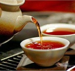 喝普洱茶有什么好处?喝普洱茶可以保持像春天一样甜美的微笑。人们希望拥有健康的牙齿和牙龈的原因有很