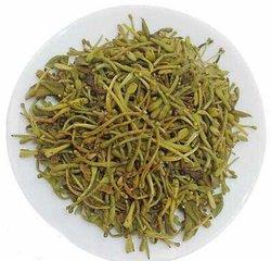 你可以每天喝几杯金银花茶,金银花茶的功效与作用十分强大而且没有任何副作用,金银花茶的功效可以促进