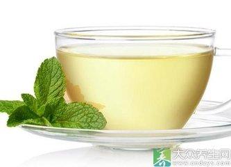 苦瓜或苦瓜茶含有多种营养成分,如蛋白质,脂肪,碳水化合物,维生素A,B1,B2,B17,C,矿物质钙,磷,