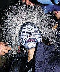 """""""捉黄鬼""""又名""""大抽肠"""",是武安市西南部山区固义村主办的一项大型综合民俗活动,在每年的元宵节期举"""