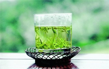 龙井茶因其多种功效与作用而闻名。龙井充满了抗氧化剂,使其成为降低某些类型癌症风险的神奇药剂之一。