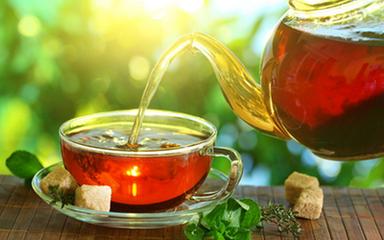 红茶和绿茶哪个更健康