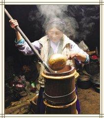 藏族主要聚居在我国西藏自治区,·在云南、四川、青海、甘肃等省的部分地区也有居住。这里地势高亢,有