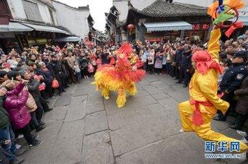 """正月十五日俗称""""上元节""""、""""正月半""""、""""灯节""""、""""元宵节""""。""""元宵似大年"""",是春节活动的最高潮,"""