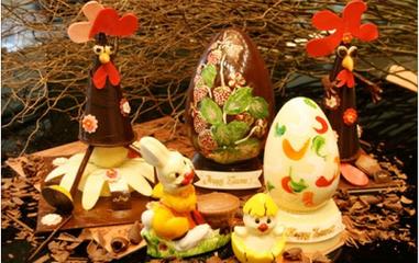 复活节是几月几日  复活节是3月22日至4月25日之间的某个星期日。根据西方教会的传统,在春分节(3月