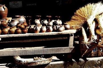 哈尼族土锅茶