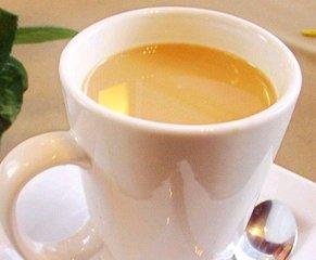 添加牛奶不会减少红茶的功效