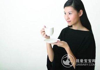 对于那些想要减少咖啡因摄入量的人来说,无咖啡因绿茶可以解决许多问题。它有许多健康益处,包括减肥,