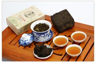 湖南黑茶介绍  根据质量和加工工艺,我们可以将中国茶叶分为六种:绿茶,黄茶,黑茶,白茶,乌龙茶,红茶