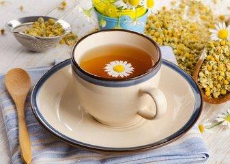 白菊花茶不仅味道很好,而且还有一大堆令人惊叹的益处,有助于您的健康。  白菊花茶的功效与作用究竟