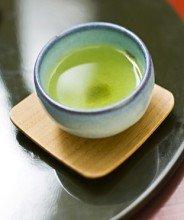 日本绿茶的种类  绿茶在日本有四种主要品种,这取决于其叶长,加工方法和收获季节。日本绿茶品种如下:玉