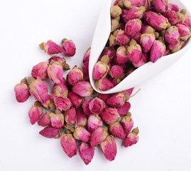 玫瑰花茶是由整朵玫瑰花或玫瑰花瓣本身(干后)制成的。这是一种受欢迎的中东茶品种,但它可以在世界任