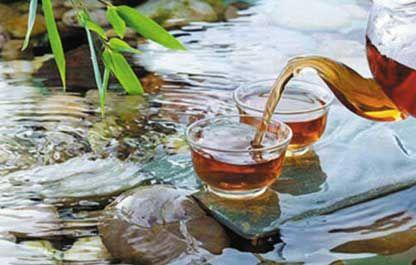 """""""精茗蕴香,借水而发,无水不可与论茶。""""———明 许次纾《茶疏》  """"茶性必发于水,八分之茶,遇"""