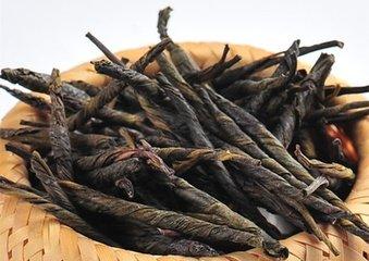 """什么是苦丁茶  苦丁茶不是茶,而是与茶树(茶叶)不同的草药。""""Ku""""在汉语中意为""""苦"""",""""丁""""意为""""针"""