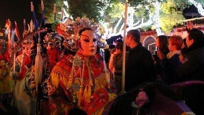 """元宵节的主题词是灯。一般认为,汉明帝为了表彰佛法,下令在正月十五夜""""燃灯表佛"""",才拉开了元宵灯会"""