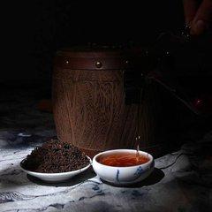 中国少数民族不仅有自己的茶叶习俗,而且形成了自己独特的茶文化。藏茶,在英文也被称为藏茶或Zangcha,