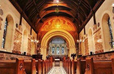 爱尔兰情人节  爱尔兰是众所周知的诺贝尔奖获得者较多的国家。四个诺贝尔奖颁发给爱尔兰的乔治萧伯纳,塞