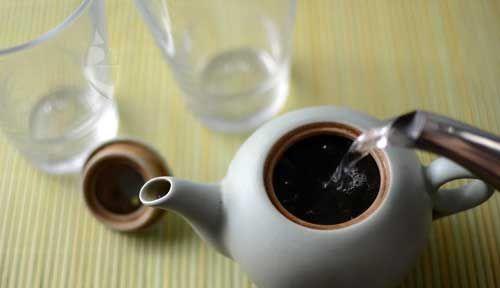 冲洗普洱茶
