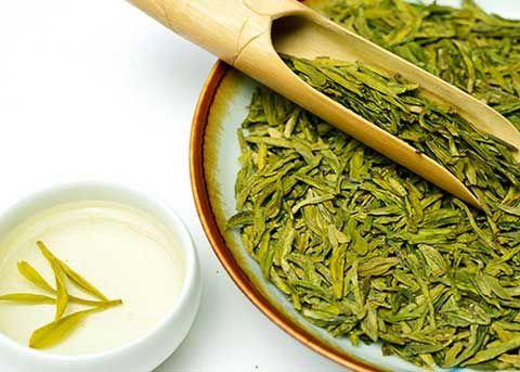 龙井茶是世界上最好的绿茶,起源于中国浙江省杭州附近的龙井村。有时人们称之为龙井茶。它因其高品质和