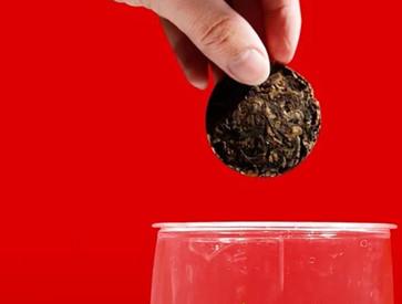 为什么现代女性喜欢喝红茶?