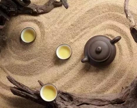茶艺,这是一项高雅的艺术。学茶艺有着诸多好处,不知大家都认识到了吗?下面小编就这个问题来为大家详