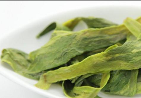 烘青绿茶是绿茶的主要品种,是按照干燥工艺来划分的,烘干的就是烘青绿茶。其中以黄山毛峰、太平猴魁等