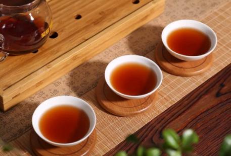 越来越多的人喜欢喝老茶,这是为何?
