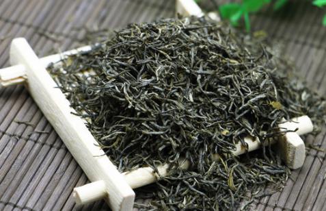 中国的茶文化源远流长,茶叶种类发展到今天已经有很多品种了。从总体上来讲,现在的茶叶种类可以分为六