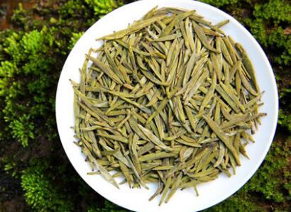 基本上茶叶都有一个共通点,助消化解油腻,而对于减肥或多或少也还是有一定帮助的。众多茶类中黄茶有着
