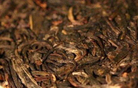 普洱茶是怎么分类的?普洱茶茶质温和,不伤胃,是很多茶友们所喜爱的一款,说起普洱茶的分类,可以按照
