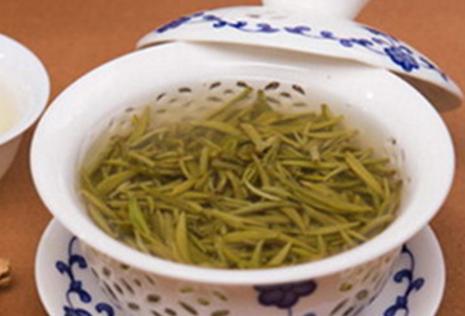 一年之计在于春,可能是因为这种说法,茶叶中的春茶也一直被人们所追捧,下面将为您详细介绍:挑选春茶