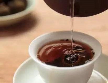 喝白茶的作用及其禁忌!
