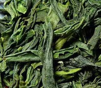 六安瓜片与信阳毛尖的制作工艺是否一样?并不一样,六安瓜片虽然与信阳毛尖都是绿茶,绿茶有很多共