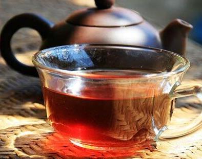 普洱茶与龙井茶,上火还是下火?图片