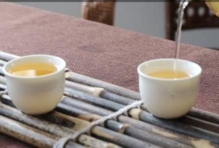 """进入十二月,天气变得日复一日的萧瑟""""冻人"""",窝在室内的日子,围炉烤火谈天饮茶成为这个季节最惬意的"""