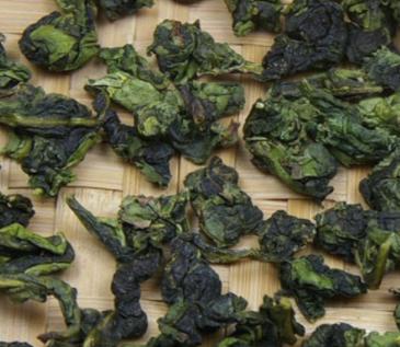 铁观音茶,我国的传统名茶,属青茶类,中国十大名茶之一。铁观音成品可依发酵程度与制作工艺的不同