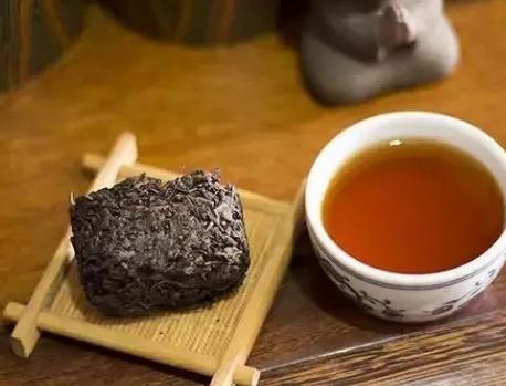 辨别陈年老茶的方法!