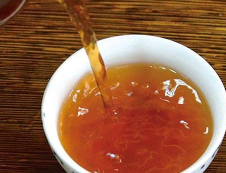 体寒手脚冰凉的女性,夏季要喝什么茶呢?