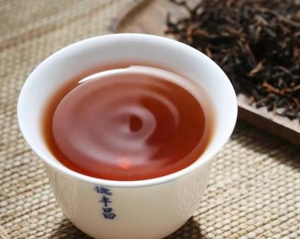 我国茶文化经过数千年的发展,流传至今。时至今日,仍然是人们所热衷的事情。而喝茶对人体健康所带