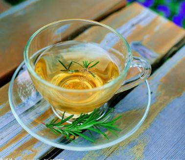 根据日本研究发现,绿茶饮用者和降低死亡风险存在很大联系。实际上喝绿茶有助于延长寿命,下面我们一起
