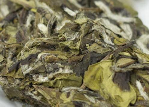 寿眉是日常生活中常见的一种白茶品种,其不仅外形独特,而且口感滋味醇爽鲜纯,是不错的茶品,并且常饮