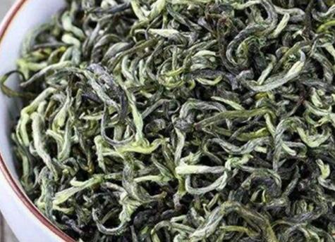 狗牯脑茶叶,高山茶,是江西十大茗茶之一,属于炒青绿茶,拥有狗牯脑的全部功效与作用。那么狗牯脑茶好