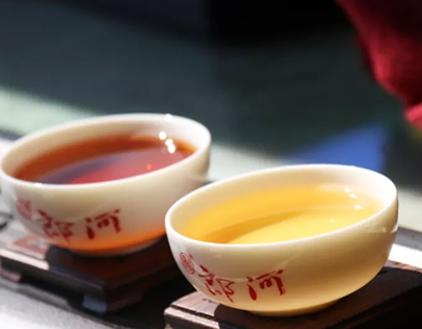 夏日炎炎,大部分人都是挑选冷食消暑,但针对爱饮茶的盆友而言,喝冷食并不是比较关心。此刻,暂且