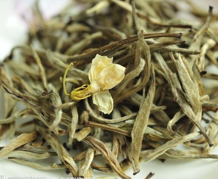 花茶是我国的特种茶类之一,随着茶叶生产与茶叶采制工艺技术的发展而不断发展。那么你对茉莉花茶的来历