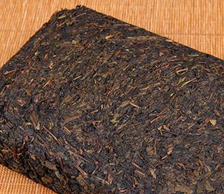 茯茶的养生保健功效,一直以来都为茶友们所津津乐道。但是其独特的发酵手法造成了茯茶独特的味道、