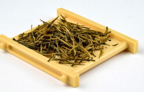 了解茶文化或者喜欢喝茶的朋友都知道在喝茶,泡茶的时候首先需要在杯子里面放上茶叶,然后加上热水就是