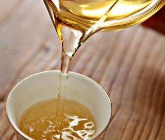 秋茶,从字面理解就是秋季生产的茶。茶叶的种类按季节有春、夏、秋之分。一般当年5月底前采制的茶叶