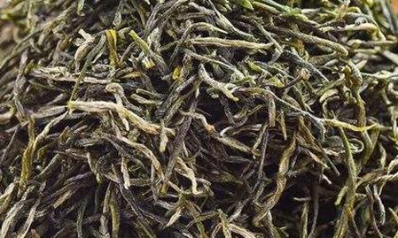 提起茶叶里面的信阳毛尖和黄山毛峰都是大家非常熟悉的品牌,在很多人家里都可以见到这两种茶叶。那么在